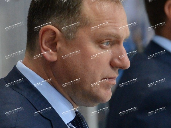 Kontinental Hockey League. Dynamo Moscow vs. Traktor