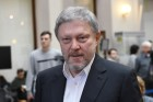 Submitting signatures in support of Grigory Yavlinsky's registration as presidential candidate