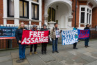 Support rally for Julian Assange in London