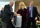 CEC receives ballots for polling stations abroad