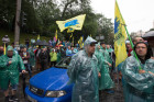Central Kiev blocked by car owners with European number plates