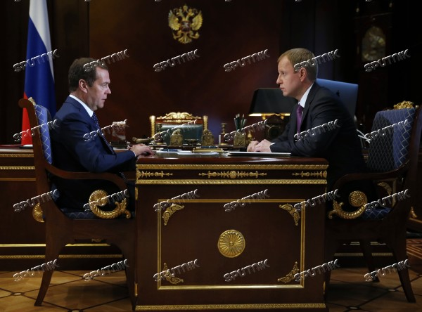 Prime Minister Dmitry Medvedev meets with Acting Governor of Altai Territory Viktor Tomenko