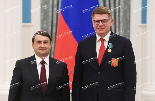 Presidential Aide Igor Levitin presents awards to participants of Pyeongchang Olympics