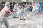 Russia Cake Throwing Contest