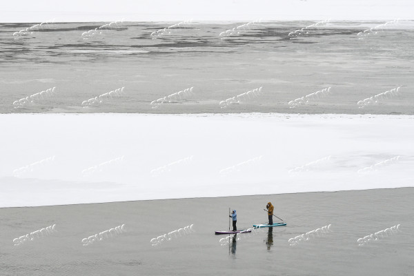 Russia Winter SUP Surfing