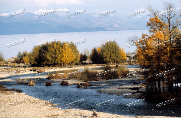 BAIKAL LAKE AUTUMN