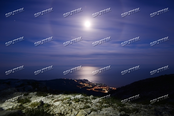 Night views of Yalta