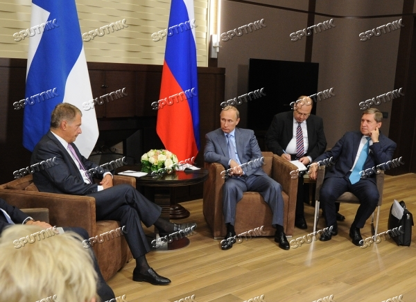 Vladimir Putin meets with President of Finland