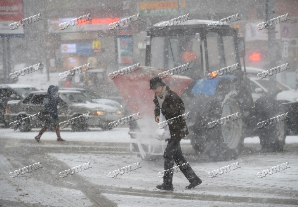 Moscow roads treated with deicing chemicals