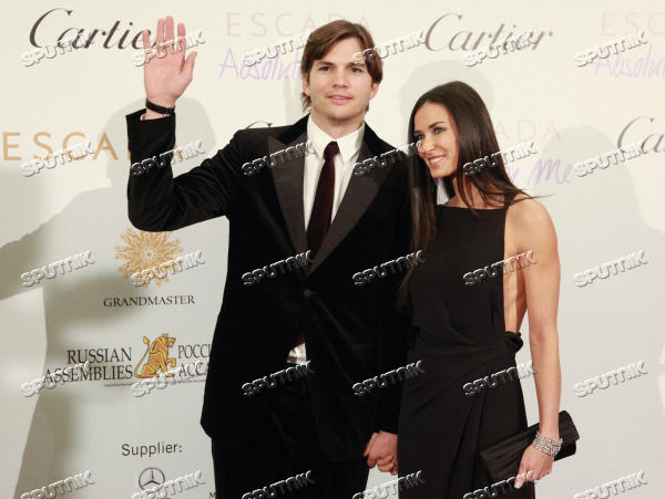 demi moore ashton kutcher at charity auction in moscow sputnik