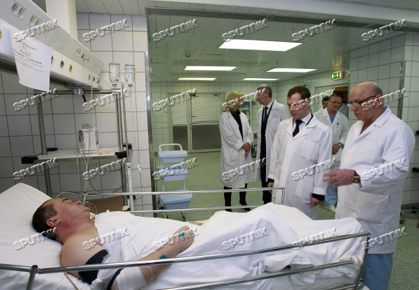 Dmitry Medvedev visits victims of the blast at Domodedovo