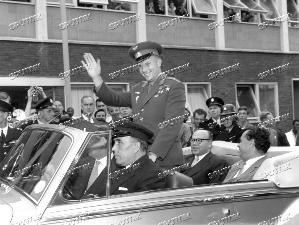 Yury Gagarin visits United Kingdom