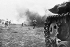 WWII TANK SOLDIERS ATTACK