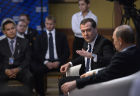 Putin, Medvedev meet with United Russia Party activits