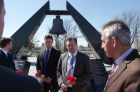 German delegation of politicians and business people arrives in Crimea