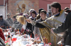 Consecration of Easter cakes at Moscow's Donskoi Monastery
