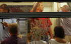 Moscow Metro passengers suffer from overwhelming heat