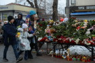 Flowers in memory of Zimnyaya Vishnya shopping mall victims